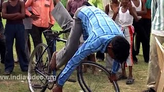 Download Cycle circus - Indian street performers Video