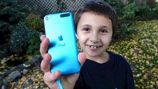 Download A Kid's First Impression of the New iPod Touch 5 Video