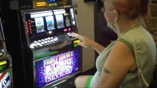 Download Jackpot In Las Vegas Video