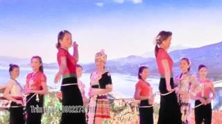 Download Người mẫu Thái thi trang phục dân tộc Video