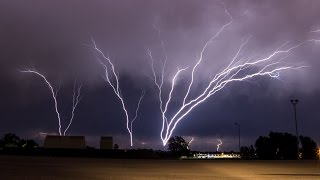 Download INCREDIBLE Upward Lightning (Ground to Cloud) - May 18, 2017 Video