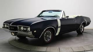 Download Clash of the Classics - 1968 Oldsmobile 442 vs. 1968 Plymouth Roadrunner Video