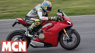 Download Ducati Panigale V4 S   Track Day   Motorcyclenews Video