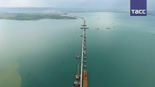 Download В Керченском проливе закончили возведение опор для судоходных арок Крымского моста Video