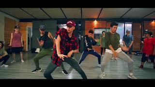 Download Baila Morena - Hector El Father ft Tito El Bambino - Choreography by Adrian Rivera Video