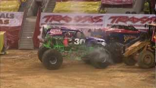 Download Monster Jam - Dennis Anderson and Grave Digger Monster Truck Freestyle from Arlington, TX - 2012 Video