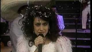 Download El Viejo Del Sombreron - Vilma Diaz - Tributo a la cumbia Colombiana y a La Sonora Dinamita Video
