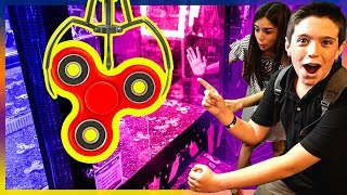 Download EPIC FIDGET SPINNER CLAW MACHINE WIN!! Video