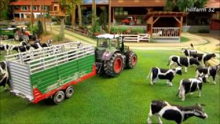 Download RC TRACTORS bring COWS back home - FARM ANIMAL & RC TOYS in ACTION Video