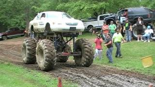 Download Monster 4x4 Mud Trucks at Good Time 4x4's June 12Th 2011 Video