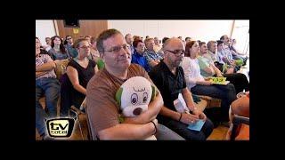 Download Elton auf der Jagd nach Flughafen Koffern! - TV total Video