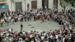 Download Som Sabadell flashmob - BANCO SABADELL Video