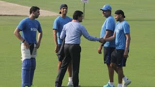 Download Sourav Ganguly Share a Lighter Moment with Indian Cricketers Video