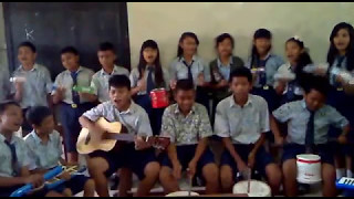 Download Ansambel - Anak Gembala (A.T. Mahmud) oleh VIII-1 2013 Video