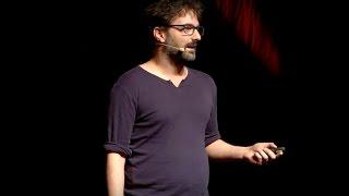 Download ¿Puede la corrección política acabar con el sentido del humor? | Victor Grande | TEDxGalicia Video