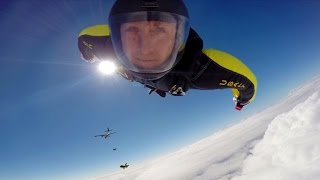 Download Amazing Helmet Cam Footage From The U.S. Army Parachute Team ″Golden Knights″ Video