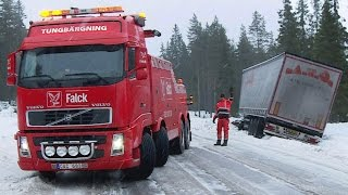 Download Heavy Recovery Volvo FH16 8x4 vs DAF Semitrailer - Sweden Video