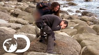 Download Mel B Pees on Bear's Hand! | Running Wild with Bear Grylls Video