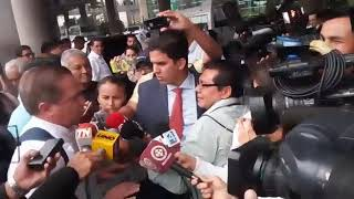 Download Ciudadanía abuchea a Patiño a su llegada a Guayaquil Video