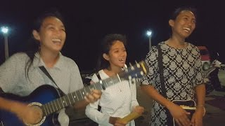Download Philippines Idol: Filipina Minstrels on the Dumaguete Boulevard Video