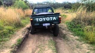 Download Toyoto hilux 98 Video