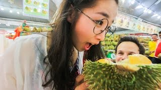 Download Durian Fruit Feasting in SS2, Kuala Lumpur, Malaysia! Subscriber Meet Up! Video