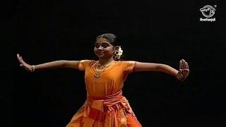 Download Learn Bharatanatyam [Basic Dance Performance] - Natya Vardhini - Thattadavu Video