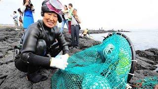 Download Jeju Haenyeo: Women divers on Jeju Island are dwindling Video