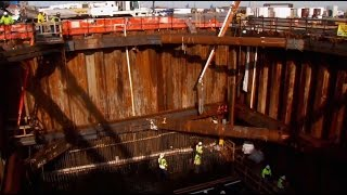 Download Should the private sector help rebuild American infrastructure? Video