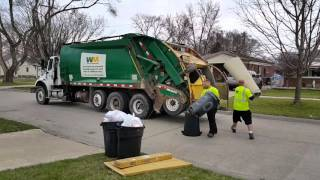 Download Waste Management: Freightliner M2 112/ McNeilus Tag-Axle Rear Loader Video