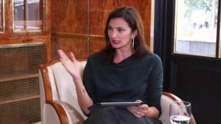 Download Mariana Arias entrevista a Arturo Pérez-Reverte Video
