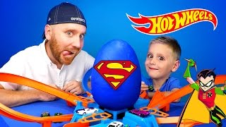 Download Hot Wheels Crash Challenge & Justice League Play-Doh Surprise Egg Opening | KIDCITY Video