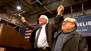 Download Danny Devito Meets and Introduces Bernie in St. Louis Video