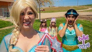 Download OH NO! Frozen Elsa's MAGIC WAND is Broken!! Video