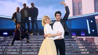 Download Mario Vaquerizo y Eva Soriano son John Travolta y Olivia Newton-John en Grease - Tu Cara Me Suena Video