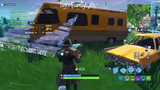 Download PAPA TIGER GET 2 ELIMS ON FORTNITE AND VICTORY ROYALE Video