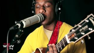 Download Leon Bridges - ″Coming Home″ (Live at WFUV) Video