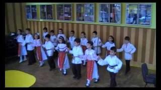 Download 08 aprilie 2011 - dansuri populare - Hora mare - Premiul I - Calatori prin traditii, Constanta 2011 Video