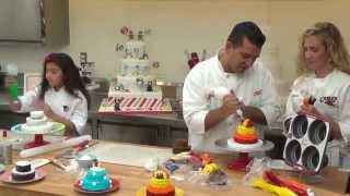 Download How to make a Turkey Cakelette - Holiday Baking with Cake Boss LIVE (Part 3) Video