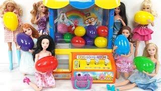 Download Surprise Eggs Barbie Dolls Claw Machine Toy!البيض المفاجئ دمية باربي Ovos Surpresa Boneca Barbie Video