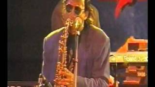 Download Willy DeVille - Bridge Over Troubled Water Video