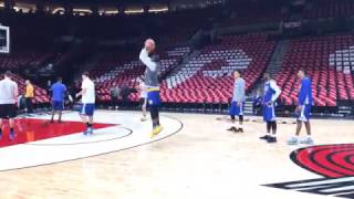 Download View from Warriors (3-0) AM shootaround b4 G4 vs POR: Stephen Curry dunk, Klay, Durant shoots w/ kid Video