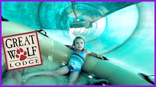 Download LITTLE GIRL BRAVES HUGE RIDE AT GREAT WOLF LODGE WATER PARK Video