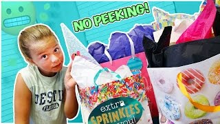 Download NO PEEKING AT THE BIRTHDAY PRESENTS! | BEHIND THE SCENES OF A SMELLY BELLY TV PARTY! Video