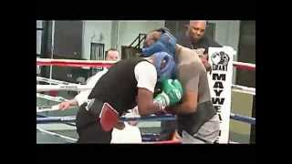 Download Floyd Mayweather sparring for the cotto fight pt.1 Video