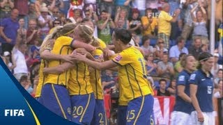 Download Fantastic late winner lifts Swedes to third Video
