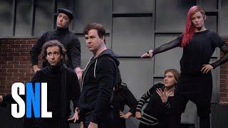 Download High School Theatre Show with Elizabeth Banks - SNL Video