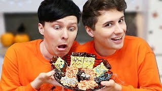 Download Halloween Baking - Creepy Crispy Cakes CONJOINED CHALLENGE! Video