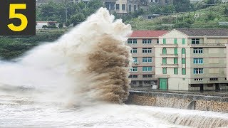 Download 5 Large Waves VS Buildings Video