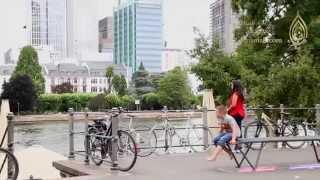 Download ألمانيا - جولة في فرانكفورت مع خبيرة السفر فدوى الزيدي | almaniah Video